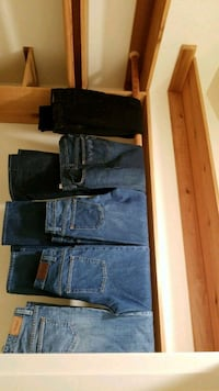 Jean's, Ladies sizes 2-6, waist sizes 24-27 Herndon, 20171