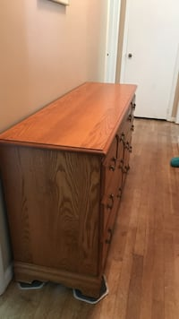 Oak dresser in great shape. Also has a large 3 mirror that attaches  Pittsburgh, 15223