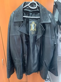 Original leather jacket with zip out liner. size big L -like XL.