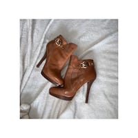 Brown Michael Kors ankle boot size 6 Southfield, 48034