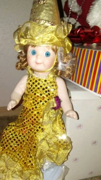 CHRISTMAS DOLL A LIMITED EDITION Albuquerque, 87102