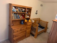 Convertible crib, dresser with hutch, changing table set Perryville, 21903