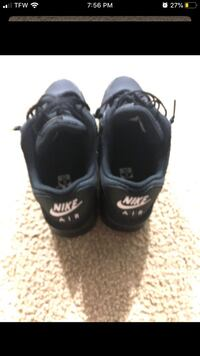 Nike air maxes size 10 Sterling, 20164