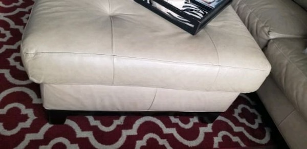 MUST GO!! Leather Sectional/ Ottoman. Make Offer a1505ecd-3b7c-4ed1-9b11-07689c0dfeff