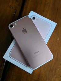 Iphone 7 mint condition- RoseGold London, N6B 2E3