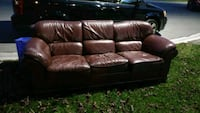 Free leather couch  Oakville, L6H 4C7