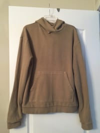 URBAN OUTFITTERS Hoodie.. Never worn Montréal, H8R 3L8