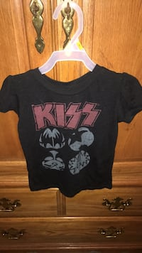 Kizz Rock shirt size 5T in good used condition  Palmdale, 93550