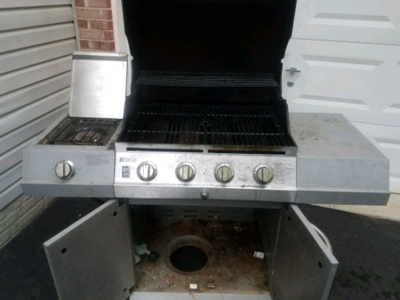 Charbroil grill 2