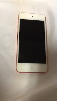 32 gb  Rose Pink iPod Touch 5th Generation Calgary, T1Y 6E7
