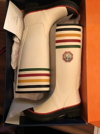 Rain boots*** Pendleton   New York, 10009