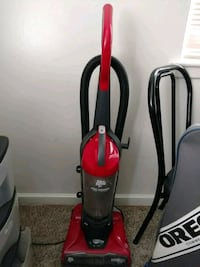 red and black Dirt Devil upright vacuum cleaner Des Moines, 50310