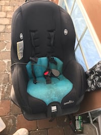 Baby's black and blue evenflo car seat Laval, H7M 4N8