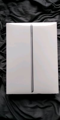 32 GB NEWEST iPad 6th gen generation gray Silver Spring, 20906
