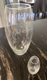 2 Etched Glass Vases Mullica Hill, 08062