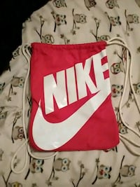 red and white Nike drawstring bag Delhi, 13753