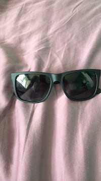 black framed Ray-Ban wayfarer sunglasses Brampton, L6P 1G6