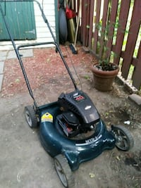 Gas lawnmower..sold as is Montreal, H3K 1S5