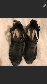 Vince camuto Shoes size 6.5