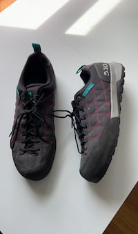 Approach shoes - 5.10 Guide Tennie  W size 9 Somerville, 02143