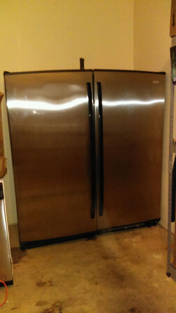 Industrial whirlpool Double door fridge/ Freezer 03c07c93-63a6-4242-b145-f30682e2e27f