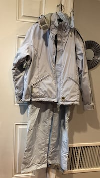 2pc snowsuit women's size S light blue  New York, 11222