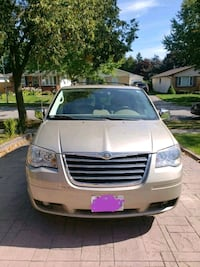 2009 Chrysler Town and Country London, N6A 5B5