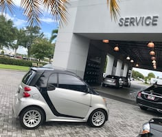 Mercedes Benz sporty smart car coupe. Passion (Luxury) edition plus extra Upgrades.