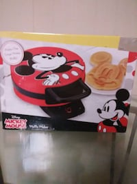 red and white Mickey Mouse-themed ceramic mug box South Pittsburg, 37380