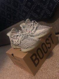 pair of white Adidas Yeezy Boost 350 V2 43 km