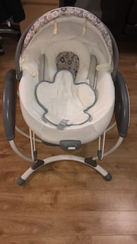 Graco bouncer and electrical swing Vancouver, V5R 1C1