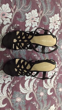 Le chateau ,Sandals,size 6.5 Mississauga, L4Y 3A9