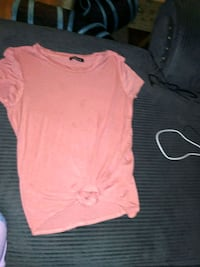 women's pink wide-neck t-shirt Windsor, N9A 4E2
