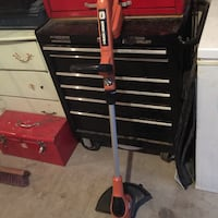 Black and decker weed wackier it's in good condition but it needs charger Calgary, T1Y 3L4