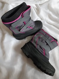 Boots for girls Calgary, T2Y 5H7