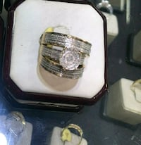 Negotiable 3pc wedding set 10k gold real diamonds Queens, 11412