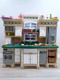 Step 2 play kitchen deluxe