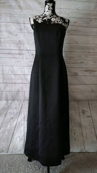 Beautiful Alex Evenings Dress , size 10 .. Frederick