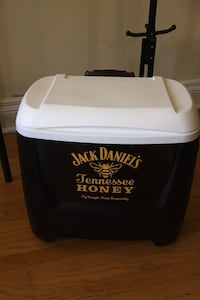 Portable thermos cooler with wheels and retractable handle. 17x17x10.5 inches OBO Toronto, M5N 2G1