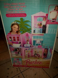 Barbie 3 story dream house retails 233$! Edmonton, T5G 2N2