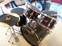 I'm selling my drum set, I've always taken good care of it. The drums are in great condition, no dents, and no scratches. Also sayings amazing  Tucson, 85746