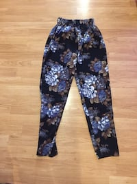 Small floral seductions pants  Barrie, L4N 5R9