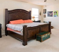Havertys King Size Bed real wood. Excellent cond. 48 km