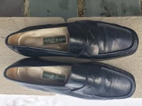Women's Cole Haan, navy blue loafer , size 9.5