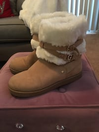 Guess boots, size 6 Buford