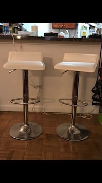 BAR STOOLS white padded leather stainless steel base New York, 10023