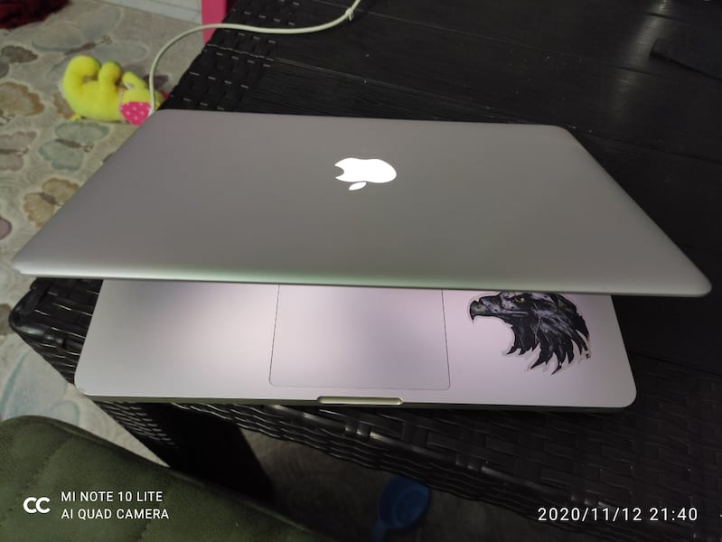 Macbook pro i5 250ssd 500hdd 7