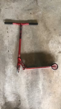 Red and black kick scooter Richmond Hill, L4E 4Z8