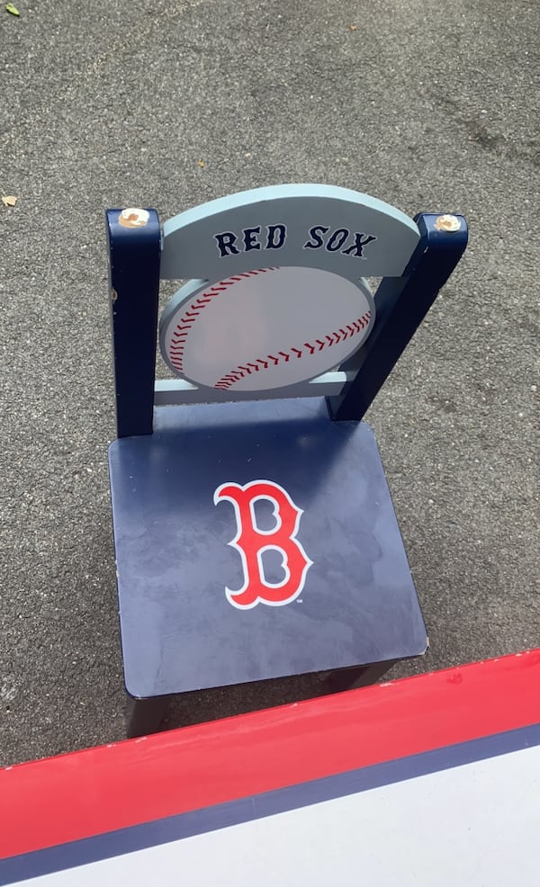 Boston Red Sox kids table 63953d85-59af-4f07-8376-f8091ced5cea