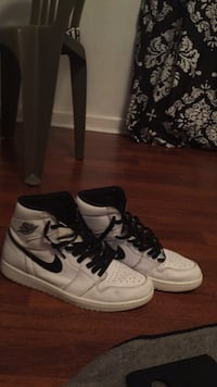 Size  10 air jordan 1s Atlanta, 30315